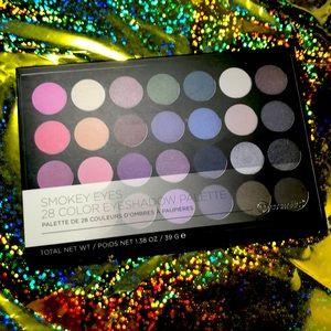 by Cosmetics Smokey Eyes Eyeshadow Palette